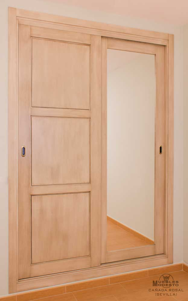 Armarios empotrados a medida muebles modesto for Espejo blanco envejecido