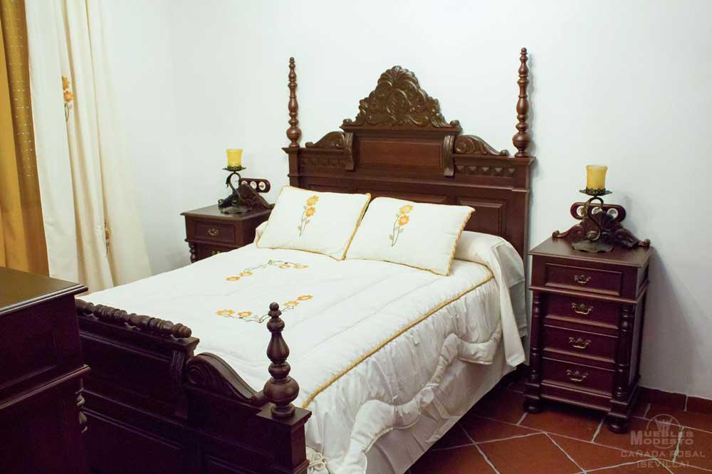 Cama-dormitorio-tallado_rustico_torneado_madera