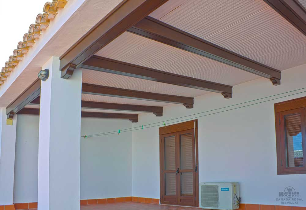 Vigas techos y p rgolas muebles modesto - Vigas de madera huecas ...