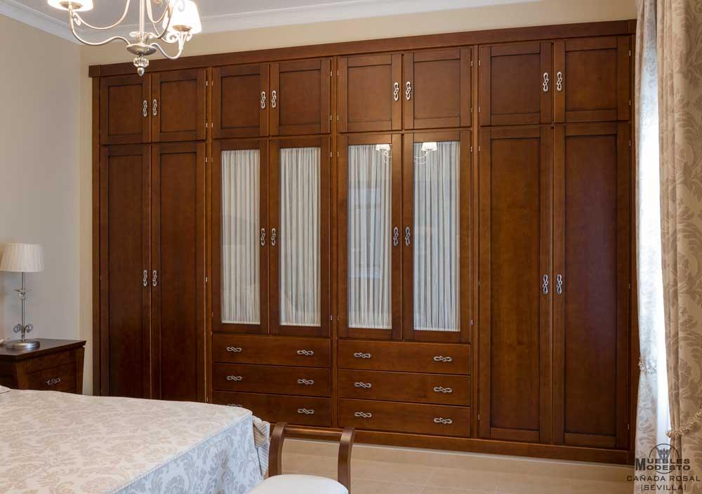 Armarios empotrados a medida muebles modesto for Cortinas para puertas de armarios