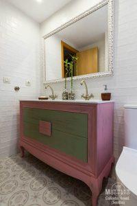 Mueble bano vintage rosa verde blanco