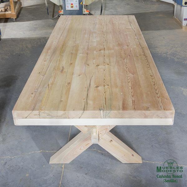 Mesa-tapa-madera-recuperada-andamios-albañil