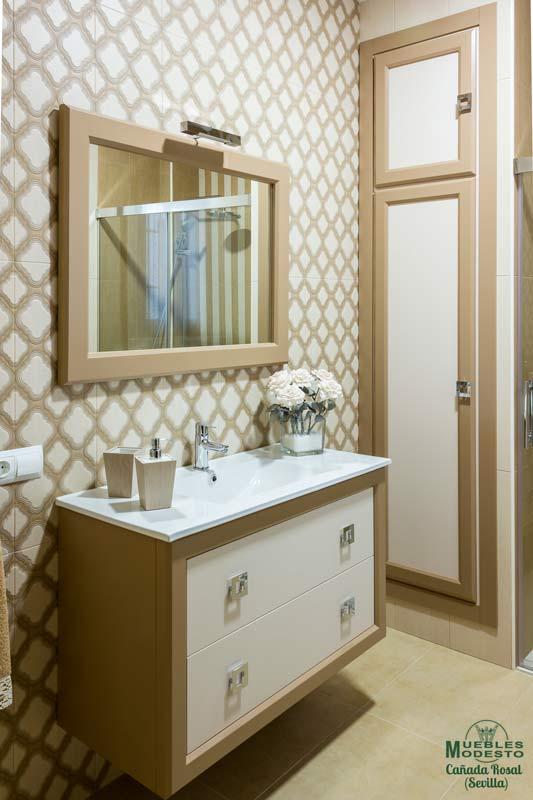 Mueble-bano-a-medida-supendido-armario-hueco-pared