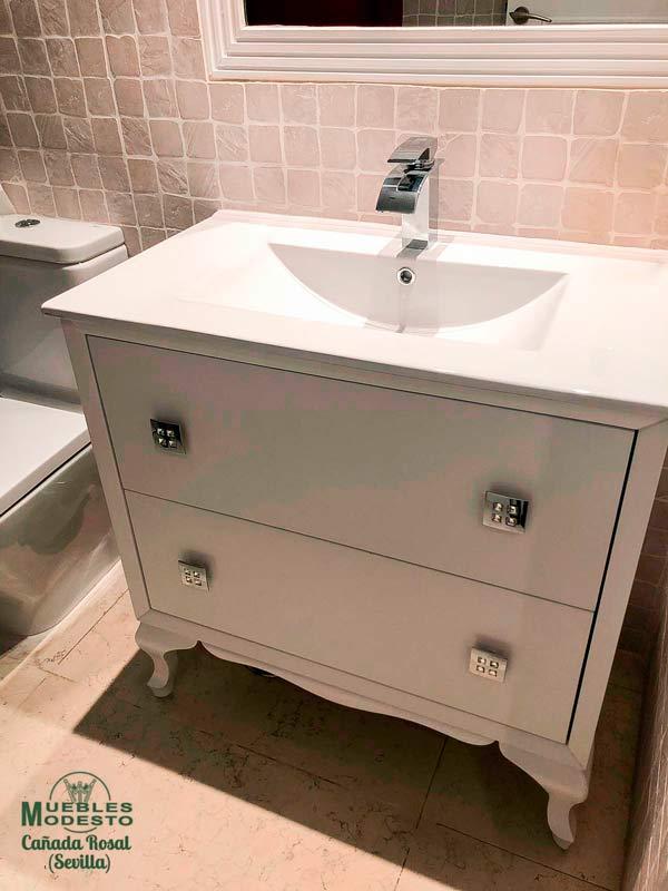 Mueble-bano-vintage-blanco-tirador-swarovski