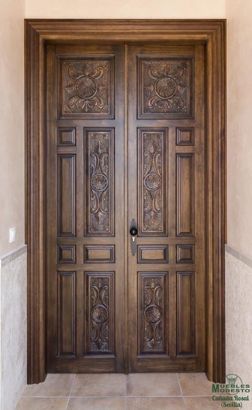 Porton-puerta-entrada-madera-tallada