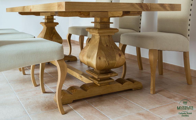Mesa-patas-gordas-rustica-a-medida-madera-maciza-nudos
